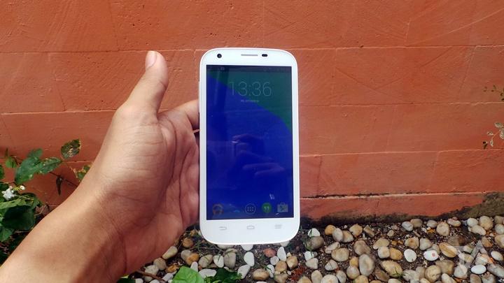 Bolt Powerphone ZTE V9820 - Depan
